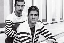 ARMANI JEANS bei KONEN München / Wir lieben ARMANI JEANS weil bei ARMANI JEANS entspannte Looks mit einem hohen Qualitätsanspruch einhergehen und sich die Kollektionen wunderbar mixen lassen.  ► http://bit.ly/KONEN-Armani-Jeans-Pinterest  Das Label greift den italienischen Spirit und lockeren Stil in seiner Casualwear gekonnt auf und bietet trendige Shirts, Pullover, Jacken und natürlich die namensgebenden Jeans.