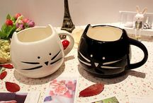 Cat Shaped Coffee Mug / Cat Shaped Coffee Mug (Free Shipping)  Buy here: goo.gl/FE2roa  Drinkware Type:Mugs Style:Cartoon Material:Ceramic Shape:Handgrip Color:White/black Cup Cat Animal Milk Cup Ceramic Lovers Mug Cute Drinkware 100% New Brand Size: 13 * 11 * 9.5cm
