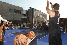 adidas 3x3 Türkiye Turu Finali / Türkiye Basketbol Federasyonu tarafından organize edilen ve Marmara Forum'un ev sahipliği yaptığı adidas 3x3 Türkiye Turu'nda dün akşam oynanan final maçında Sorun İstemiyorum'u yenen Geçerken Uğradık şampiyonluğa ulaşırken ülkemizi FIBA 3x3 World Tour'da temsil etme hakkını elde etti.