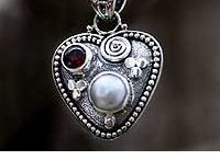 Novica Finds / by Chellesyvonne (Michelle S)