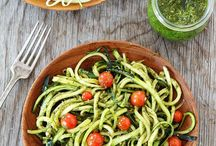 Healthy Zucchini Recipes / Healthy zucchini recipes perfect for lunch or dinner!