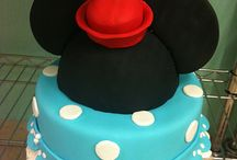 Lochlynn's vintage Minnie Mouse party