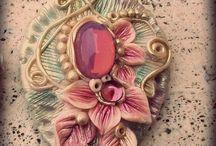 ๑ஐ๑A sprinkle of fairy dust!๑ஐ๑ / Artisan clay jewels inspired by faeries ✿*´¨)* ¸.•*¸.• ✿´¨).• ✿¨ My jewelry tells of dreams , of fairies and enchantments and while my imagination flies light , they come to life , including leaves , buds and a thousand colors , enclosing small , mysterious , enchanted worlds . ✿*´¨)* ¸.•*¸.• ✿´¨).• ✿¨
