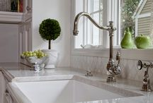 Hinsdale Illinois Kitchens / Kitchen remodels, redesigns, and ideas all in Hinsdale Illinois. Including modern kitchens, contemporary kitchens, transitional kitchens, and traditional kitchens all done by award winning Drury Design Kitchen and Bath Studio.