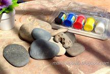 Momopiedras / Piedras pintadas. Pierres colorées. Stones.