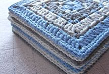 Crochet meets Patchwork Afghan / A new, modern crochet granny square blanket