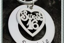 Gift it right / High quality Personalised hand stamped necklaces and bracelets