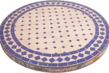Tile a round table