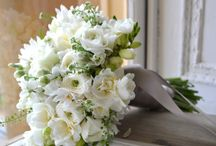 Brides To Be / Wedding Bouquets, flowers for the hair, tips and ideas.  Bridal dress shapes, seasonal flowers, chosing your florist tip and what questions to ask