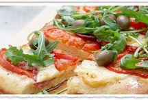 It's Pizza Time / Μπορείτε να αντισταθείτε σε μία γευστική, σπιτική πίτσα; Θέλετε ένα κομμάτι;