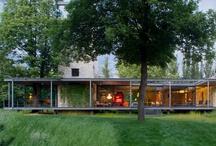 Sklenné domy - Glass Houses / Domy zo skla, presklené steny, veľké sklenné okná, domy kde je veľa svetla, sklenné steny, okná namiesto steny, montované domy zo skla