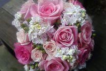 Wedding Flowers / Wedding flower ideas and designs.