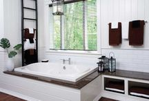 Bathroom Sinks & Counters / Countertops may be in our name, but Colonial Countertops also does sinks. With modern and traditional designs, our bathroom installations are for residential and commercial use with beautiful material and colour options.