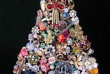 Jewelry trees, wreaths,bokays / by Marty Stommes