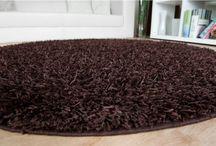 Kaffee, Schoko, Creme und andere Brauntöne / auf Hafatex.de findet man viele verschiedene schöne Teppiche, die man auch nach Farben sortieren kann.   Zimmer mit braunen Akzenden wirken gemütlich und einladend.