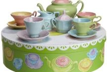 Tea Cups, Pots and Tea Party Settings / All the things you need for a gorgeous tea party, cups, pots and settings.