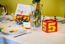 Legós esküvő / Sárának és Dénesnek egy igazán játékos esküvőt álmodott meg a Wladek Creative csapata sok-sok Lego építőkockával.