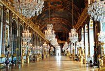 J&L Classic tour : The Palace of Versailles / Let us guide you through the Sacred Palace of the Sun.  Parcours Classique J&L : Le Château de Versailles  Laissez-vous guider à travers la demeure sacrée du soleil.
