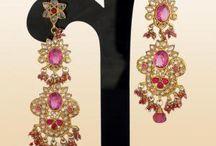 earrings / ...