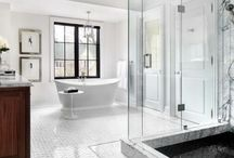 Luxe Master Bathrooms / #christinemarkatosdesign #interiordesign #colorfulinterior #shelfie #colorfuldesign #interiorinspo #designblogger #finditstyleit #designthelifeyouwant #designinspo #instadesign #instainteriors #malibu #beverlyhills#belair #manhattanbeach #losangeles #calabasas