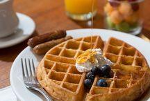 Breakfast at Lord Camden Inn / Enjoy a delicious full buffet breakfast each morning at the Lord Camden Inn.