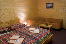 Apartmán č. 5 /  Penzión DAMI Sport / Ubytovanie v mezonetovom apartmáne (2 poschodia) s rozlohou 48 m2. Vybavenie: 4 lôžka, pohovka, sprcha, toaleta, balkón, manželská posteľ, chladnička, TV, free wifi. Viac info na penzion@damisport.sk.