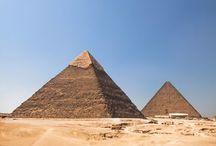 Arquitectura / Desde las antiguas pirámides egipcias hasta los modernos rascacielos que decoran las grandes ciudades, grandes creaciones de la arquitectura y su evolución a través de los años.