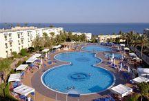 فندق جراند اواسيس شرم الشيخ, بمصر / يقع الفندق على بعد 9 كم من خليج نعمة