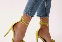 Scarpe e vestiti