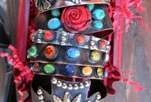jewelry...love it / by Lisa Pearce