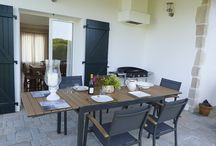 Outdoor dining, Aquitaine, South West France / Outdoor dining, Aquitaine, South West France