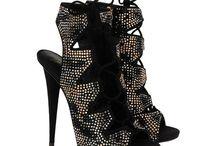 You never have enough zapatos
