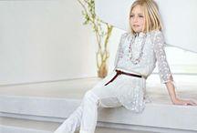 Tema Naturale / I colori candidi degli abiti per bambine Elsy: gonne, capispalla, abitini e magliette primaverili