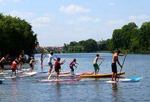 Sporturi Acvamania / In parcul gonflabil Acvamania te asteapta caiace, catamarane, hidrobiciclete, scutere submersibile si stand-up-paddle.