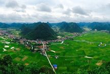 Wonderful scenes in Bac Son Valley / The time for all travelers and photographers to capture the beautiful moments of the year has come, the rice fields in the valley of Bac Son in Lang Son Province are changing color from green to yellow.