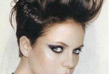 Hair Styles / by Hulda Torres