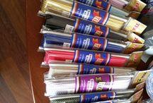 yuvarlak lastik-round elastik / Sıyah beyaz renkli yuvarlak lastik çeşitlerimizle hizmetinizdeyiz.  www.tekislastik.com.tr
