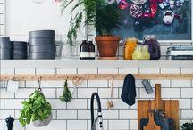 HQ: Kitchen