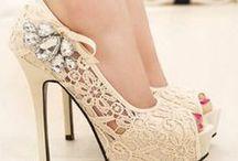Calçados > Sapatos & Sandálias