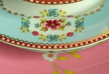 Beautiful Dishes/China  / by Myrna Trauntvein