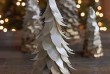 Metallic Layered Trees by Lia - Perfect Holiday Idea / Easily find the papers needed to create this BEAUTIFUL gold layered tree! / by Paper-Papers