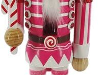 Nutcrackers / Amazing Nutcrackers of all kinds, from traditional to fun and funky.