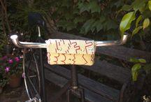 Bicicleta | Bicycle / Bolsos para bicicleta realizados en fieltro estampado, armados con remaches metálicos. Las estampas utilizadas para estos bolsos son dos, Grafismos y Rulos. Son propias.