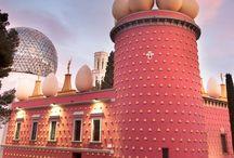 フィゲラス / ダリ美術館に行ってみませんか?フィゲラス市は、バルセロナの北120キロぐらいにある田舎町です。