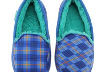 Slippers / Kids Slippers in fun and fuzzy styles by Ugg, Acorn, Emu, Chooze, Minnetonka and more