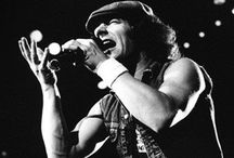 AC/DC WE SALUTE YOU