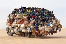 Dificuldades / E ainda reclamam do trânsito nas grandes cidades