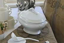 Tablesettings / by Carol Limburg