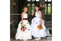 Sweetie Pie / Op dit bord staan modellen van Sweetie Pie. Deze jurken zijn verkrijgbaar bij Corrie's bruidskindermode.