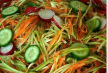 salata ve mezeler hımmm nefiss